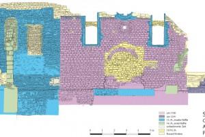 Ansicht der Ostwand der Synagoge mit Bauphasenkartierung